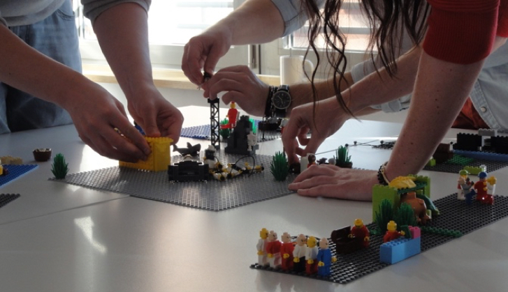 LEGO® SERIOUS PLAY® Rentals 149 €: Rent LSP material incl  shipping